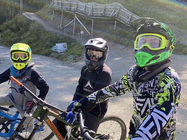 Boys im Bikepark Fiss